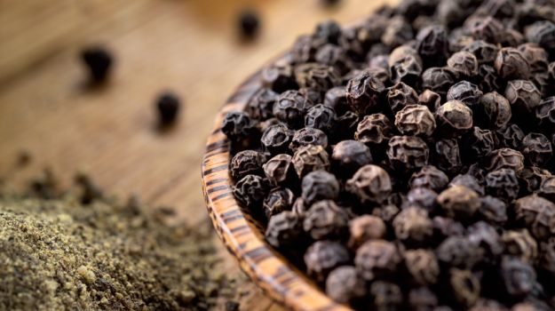 Health Benefits of King of Spices(Black Pepper)